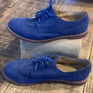 *3 for $20*/Suede royal blue buck shoes, size 8